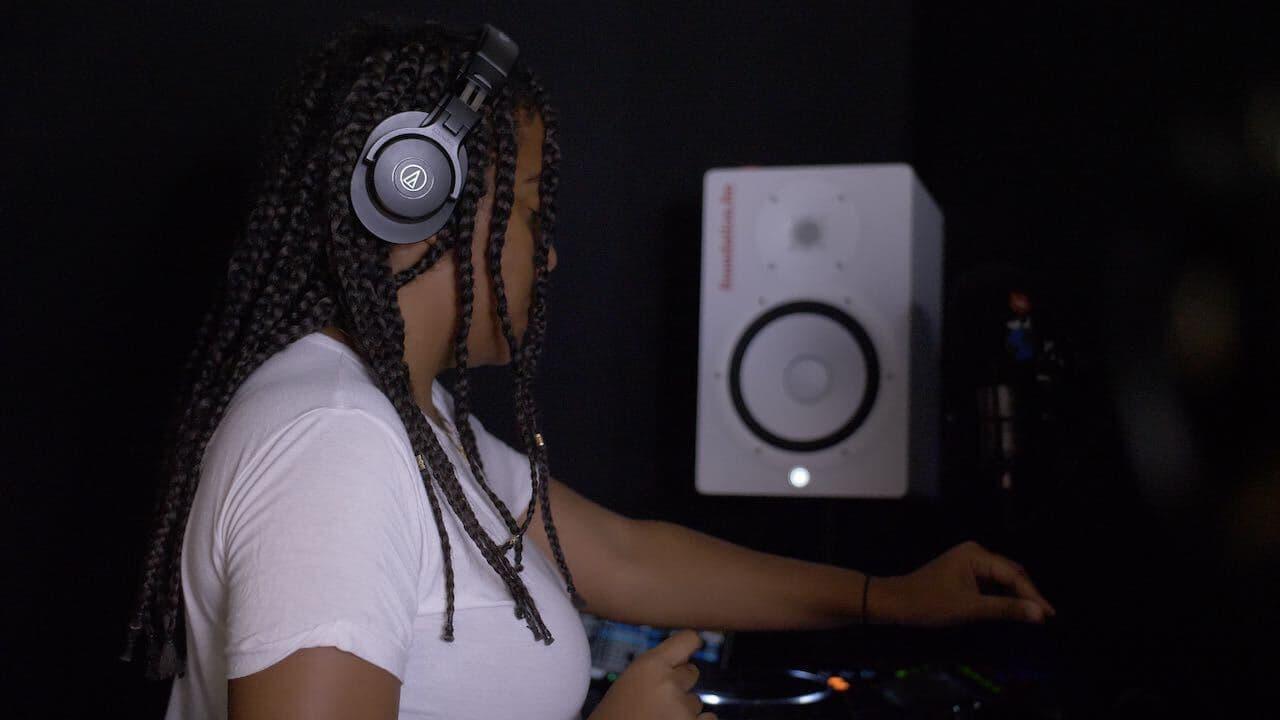 Start Internet Radio Station: DJ hard at work